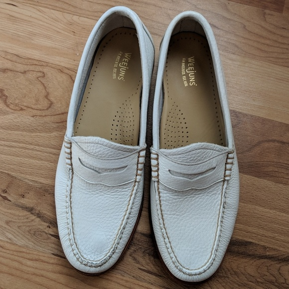 508969ccef2 G.H. Bass Co WHITNEY NATURAL SOLE WEEJUNS. M 5bba06ee619745760ec9d226